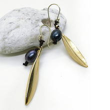 Olive leaf black pearl earrings