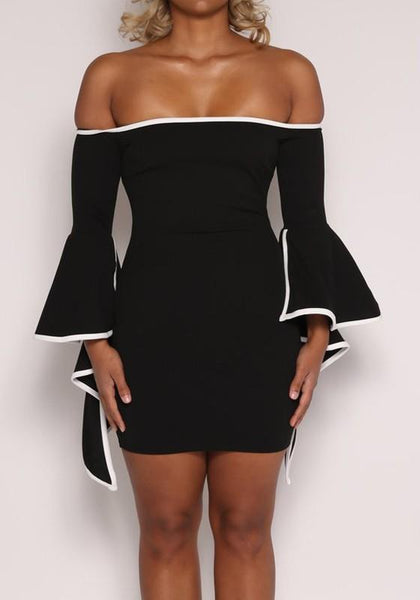 Black-White Patchwork Irregular Flare Sleeve Off Shoulder Backless Bodycon Mini Dress
