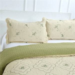 Green Patchwork Queen Size Quilt & Pillow Shams - AtHomeWithZane