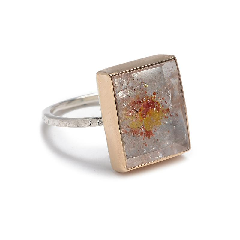 IRON OXIDE QUARTZ RING
