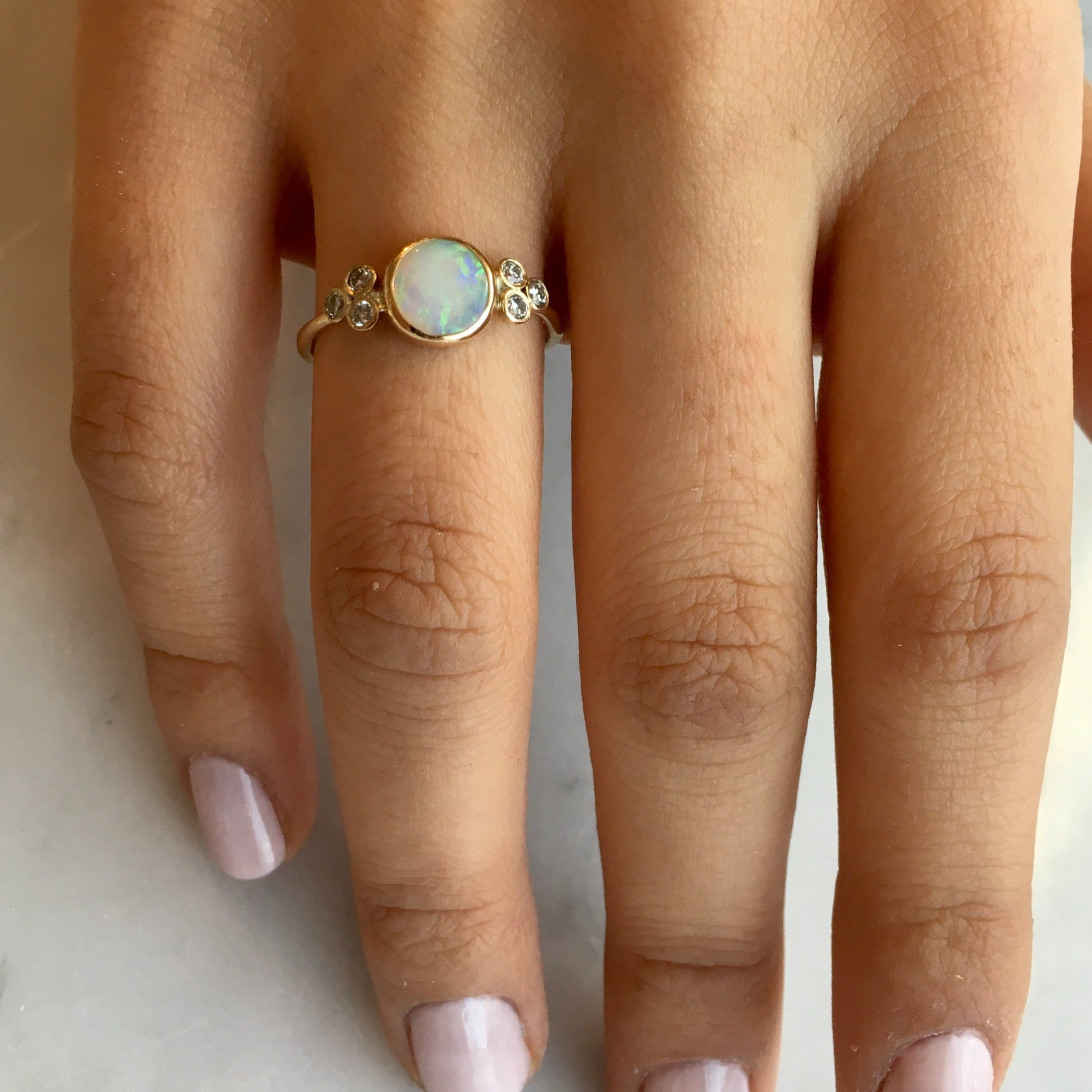 14k WHITE OPAL AND DIAMONDS RING