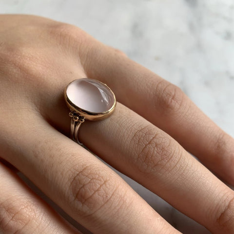 ROSE QUARTZ SUGARLOAF RING