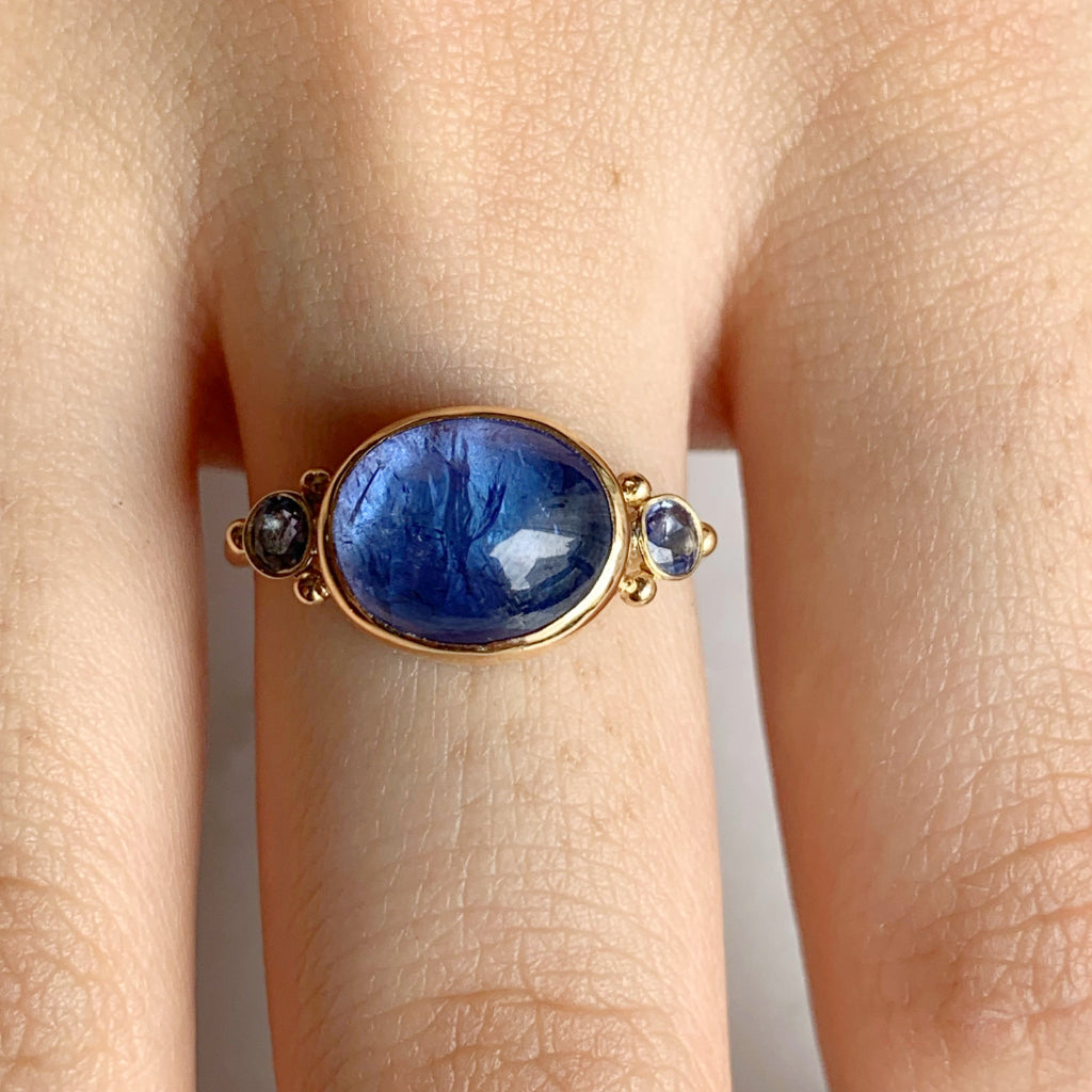 14K TANZANITE CABOCHON WITH SAPPHIRES