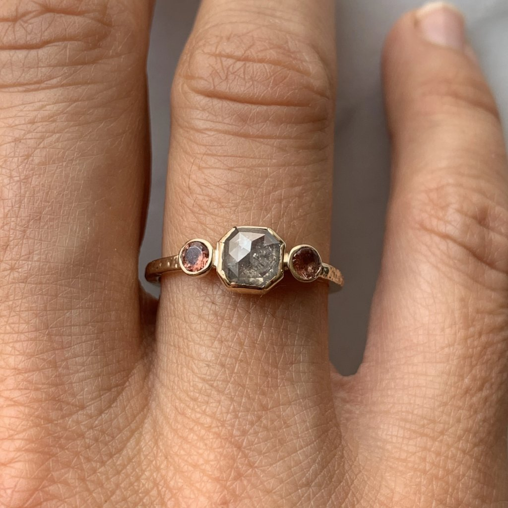14K NATURAL DIAMOND WITH SUNSTONES
