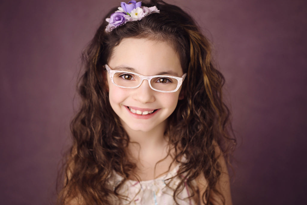 White pearly glasses for flower girls