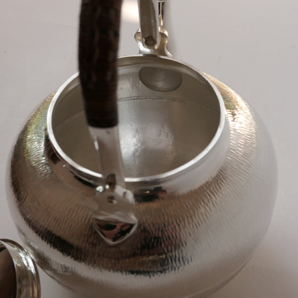 1.2l 放下 Silver Kettle (Ginbin) Pure Silver .999