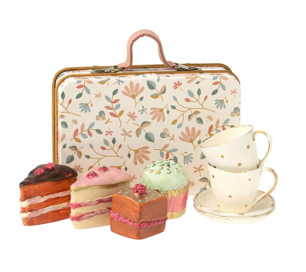 Maileg - Mini Cake Set in Metal Suitcase - 7cm