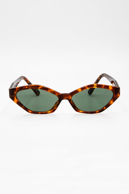 SGFRENCHIE - French Angular Cat-eye Sunglasses