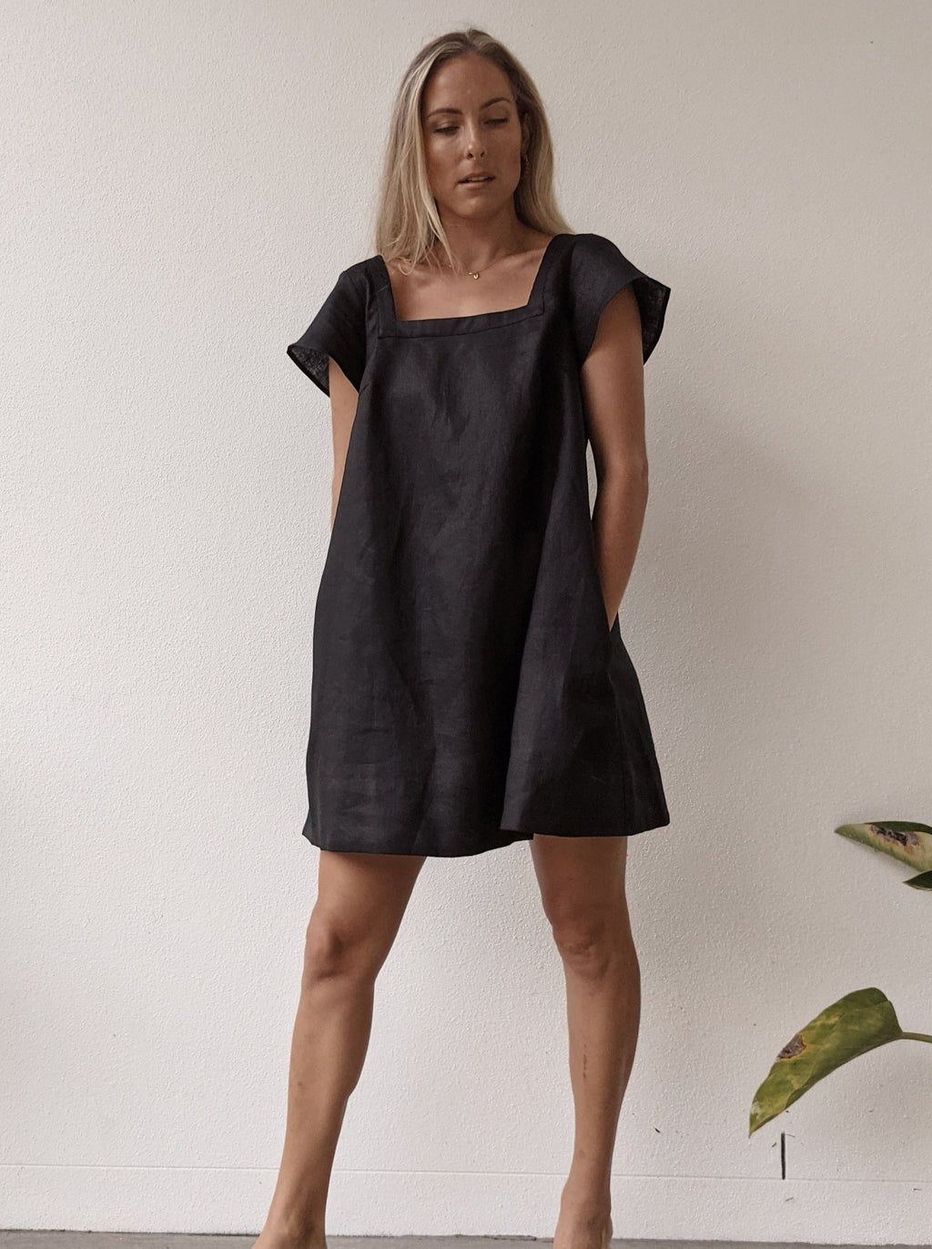 Alba Linen Mini Dress ~ Black