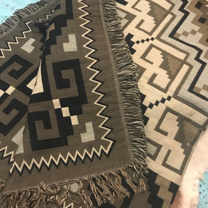 Hasak throw blanket - Grey Stone