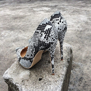 Snake Print Black White - Sherilyn Shop