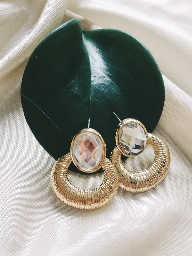 Vintage gold-tone clear crystal earring