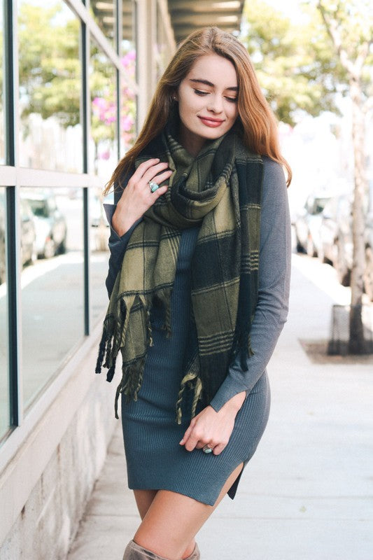 FLANNEL TASSEL SCARF - OLIVE