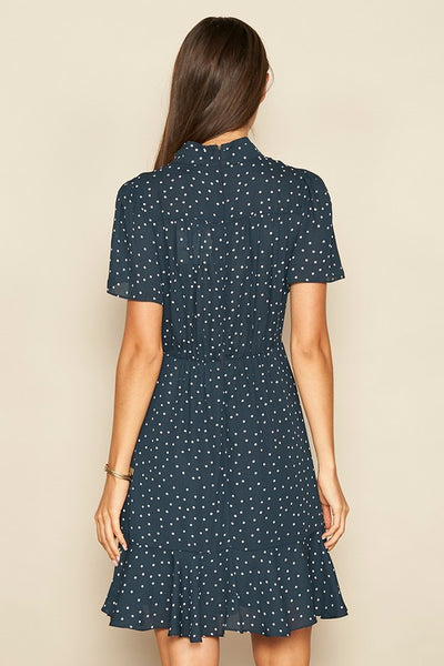SCATTERED DOT TIE-NECK DRESS