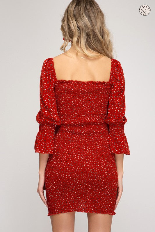 WOVEN PRINTED SMOCKED DRESS - RED