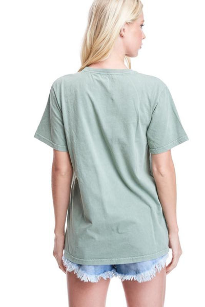 FREE SPIRIT GRAPHIC TEE - OLIVE