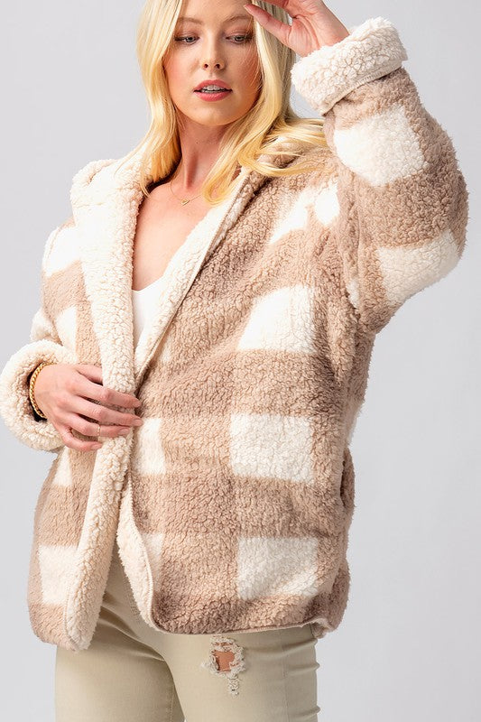 PLAID SHARPA COAT - TAUPE