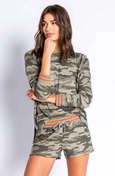IN COMMAND CAMO TOP