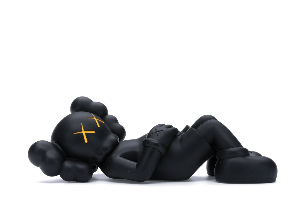 KAWS HOLIDAY JAPAN Vinyl Figure Black