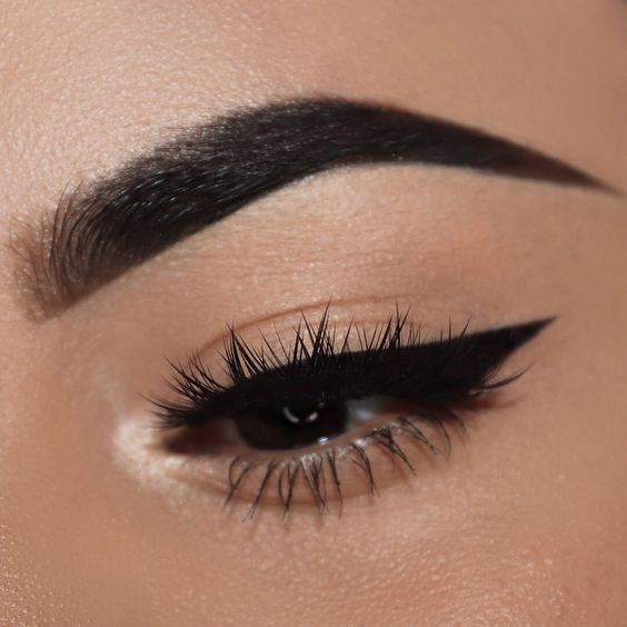 How to Slay Your Eyeliner