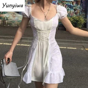 2020 Retro Stitching Wood Ears Lace Cross Lacing Up Short Sleeve Short Dress for Woman White French Mini Dresses Holiday