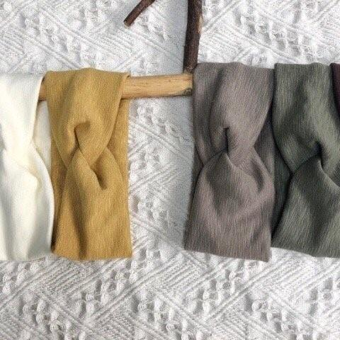 Simple Headband (Olive left)