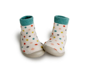 collegien cashmere socks slippers in cream with polka dots