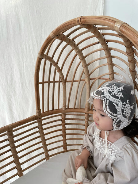 Lace Bonnet