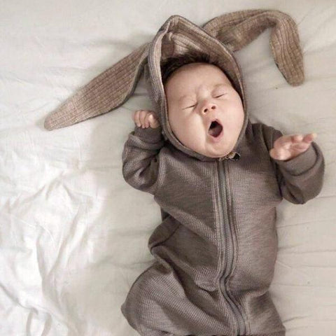 Adorable bunny baby romper jumpsuit with bunny ears hood