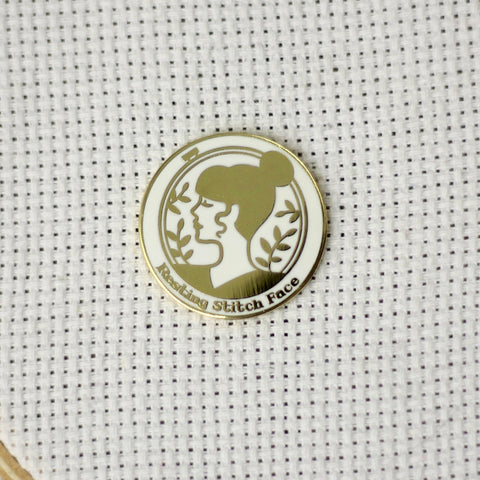Resting Stitch Face Yellow Gold Magnetic Needle Minder