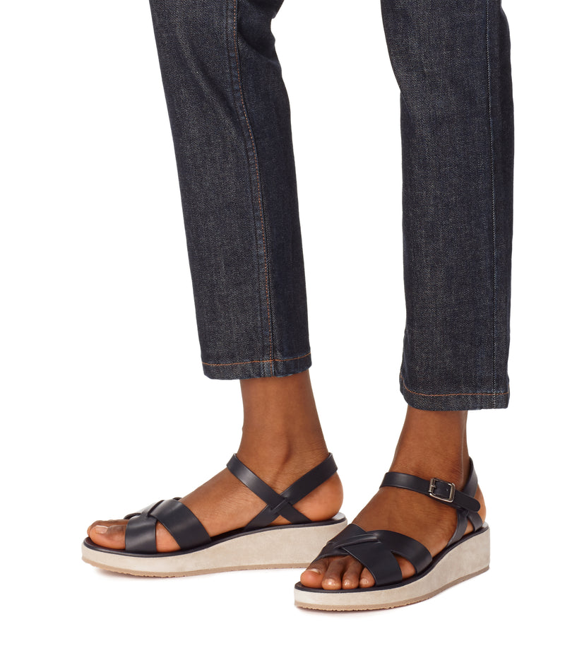 This is the Originales sandals product item. Style IAK-4 is shown.