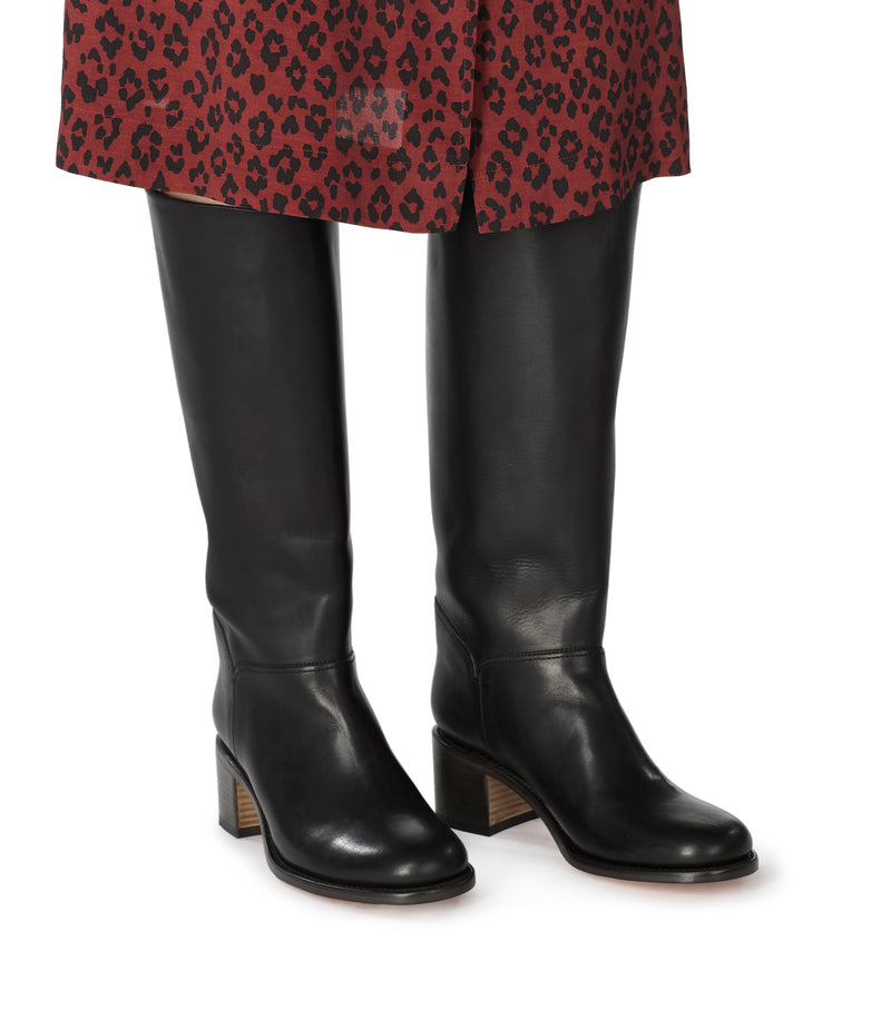 This is the Iris boots product item. Style LZZ-4 is shown.