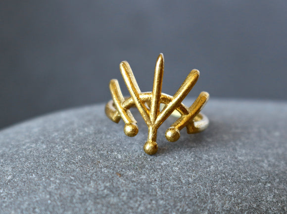Crown of Lines Brass Ring
