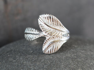 Triple Leaf Ring