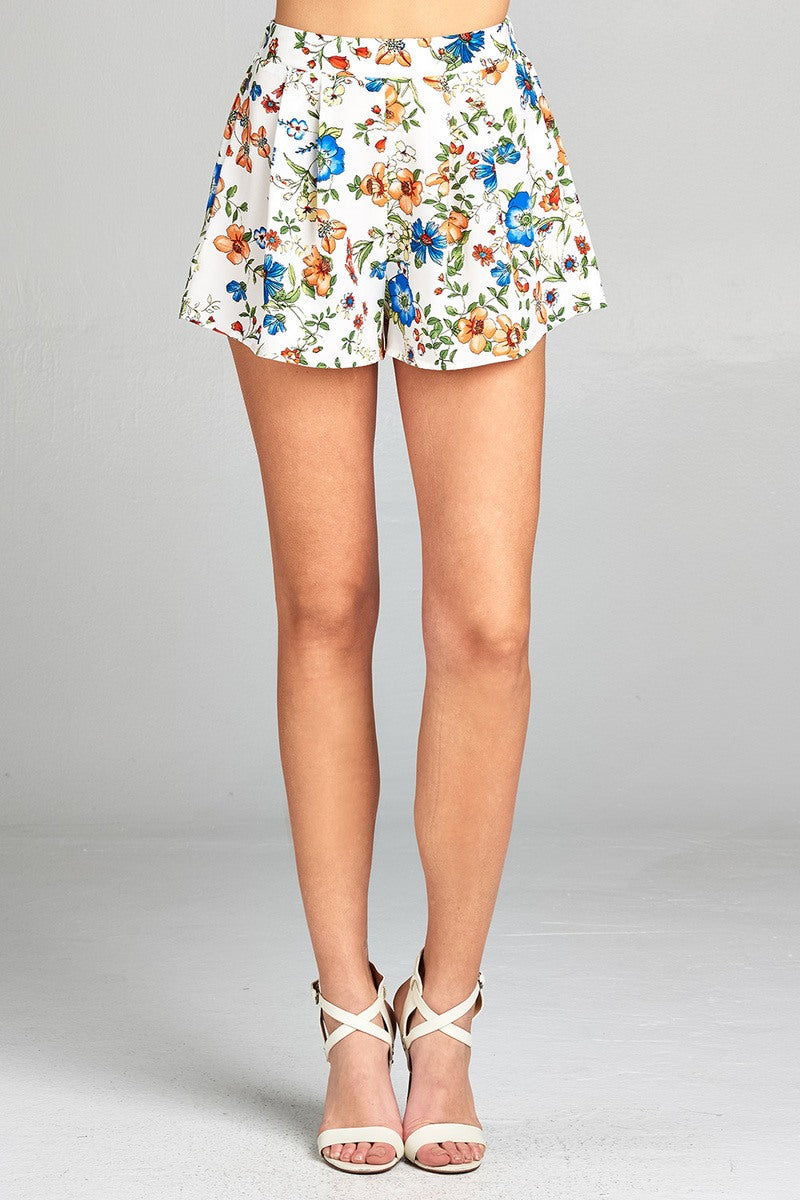 Ladies fashion pleated silhoutte floral print woven short pants