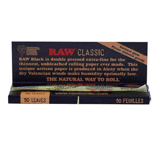 CLASSIC BLACK ROLLING PAPERS - 1 1/4