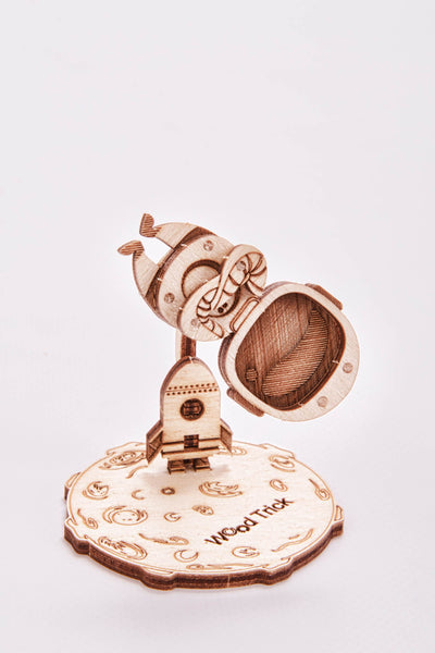 【現貨】The Hariman Wood Trick 3D Puzzle Astronaut