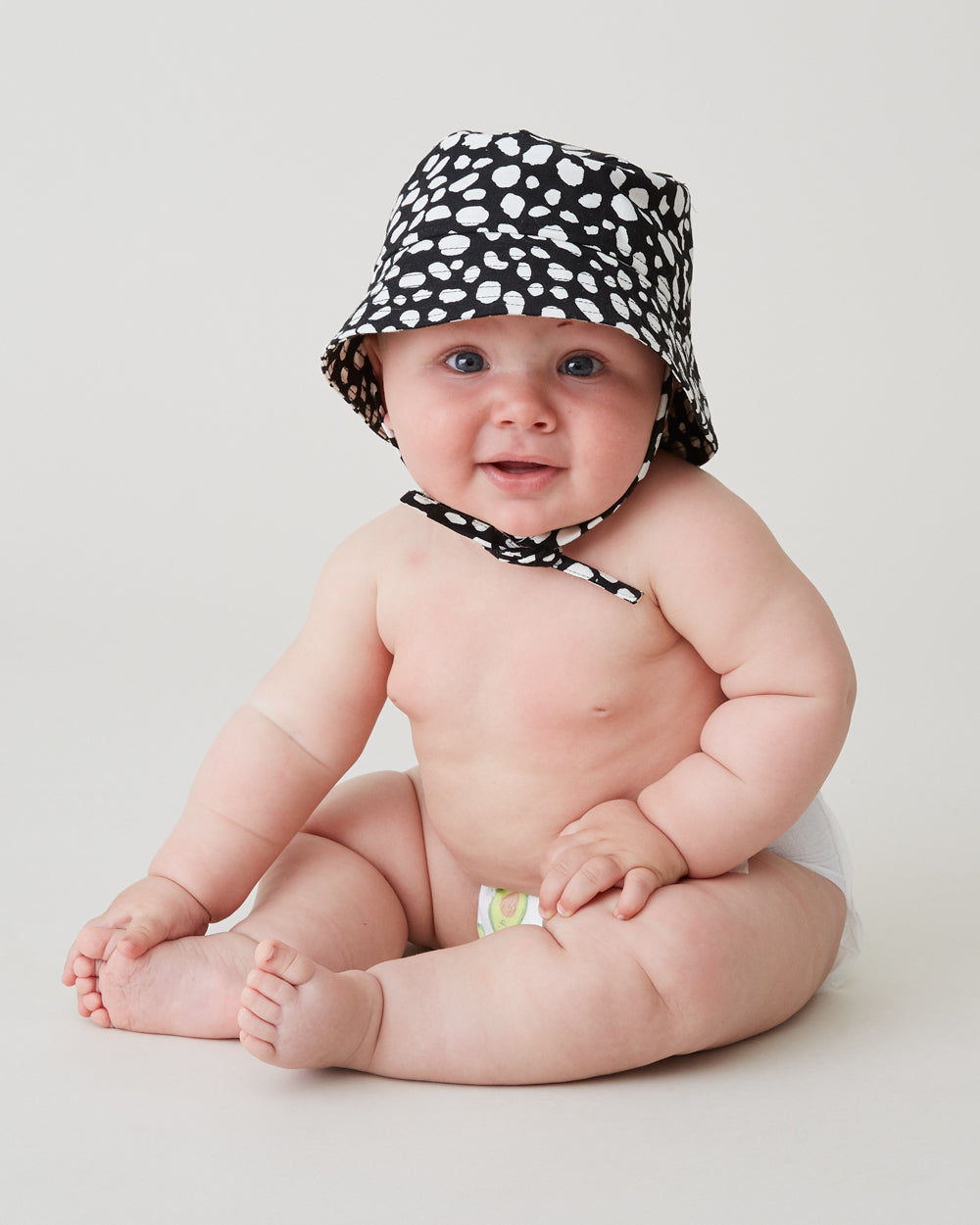 Claude Bucket Hat in Dotted Cow