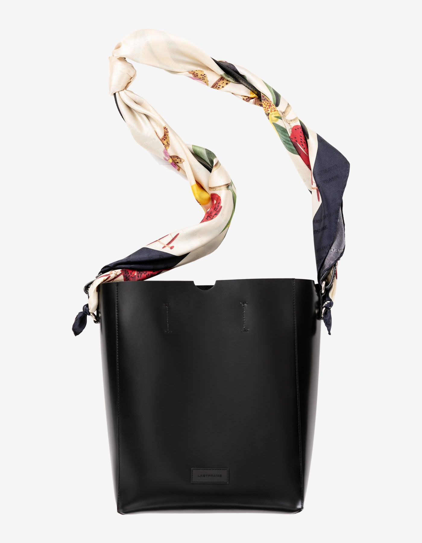 LEATHER TOTE BAG + GOLDFISH SCARF