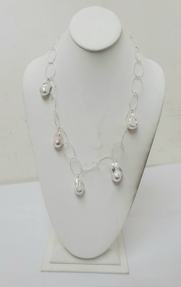 Ramina Pearls High End Chain And Pearls Necklace