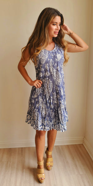 Cino Wrinkle Sleeveless Dress
