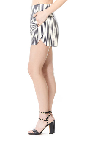 STRIPED OLIVIA SHORT, Shorts