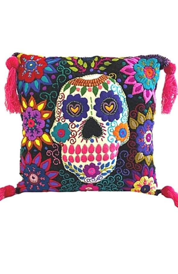 "Pillow - Wool ""Skull"""