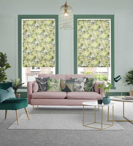 Sitting room with roller blinds