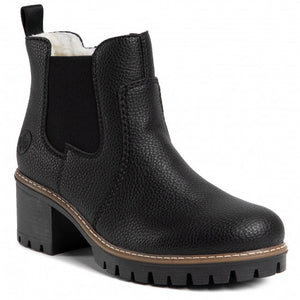 Black Chelsea boot with high heel and fur lining