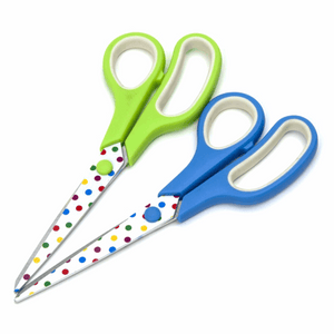 21cm softgrip scissors. Polka dot pattern on stainless steel blades.