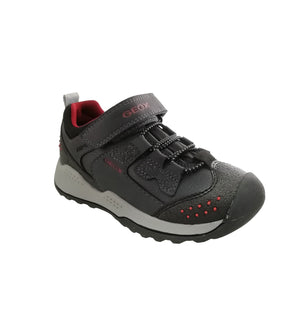 Breathable waterproof navy shoe with red detailing, featuring protective guards, a hardwearing design and an excellent grip.