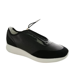Black lightweight runner with drawstring closure