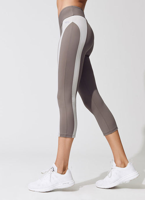 Women's Striped High-Waist Capri Leggings - ShE HAUTE FITNESS