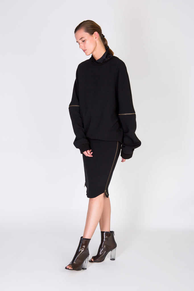 ZIP SWEATER - BLACK